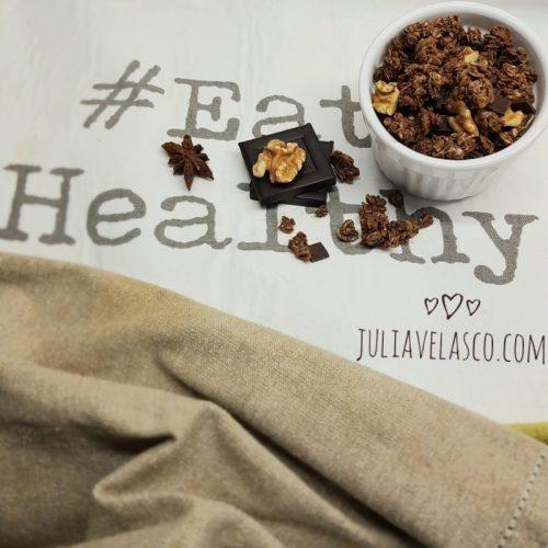 Granola casera de chocolate y frutos secos
